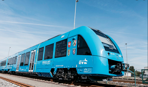 Первый в мире водородный поезд проехал по Германии